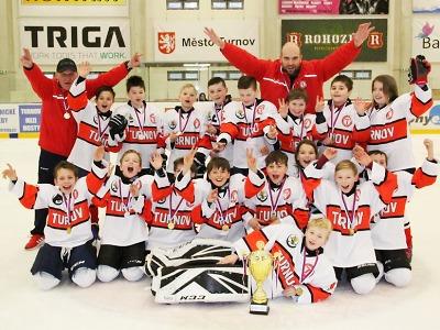 Skvělá sezona 5. třídy HC Turnov je završená titulem
