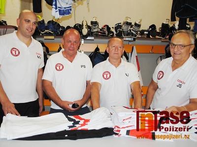 Turnovští hokejisté vstoupí naplno do sezony rovnou derby s Lomnicí