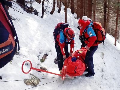 Horská služba zachránila dva uvízlé mladíky z Labského dolu