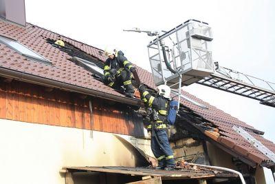 FOTO: Za požárem stojí nedbalost
