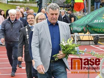 Diskař Imrich Bugár, manažer turnovského mítinku, oslavil 65 let