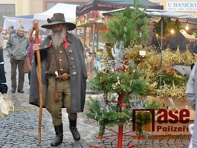 FOTO: Jilemnický vánoční jarmark opět navštívil i Krakonoš