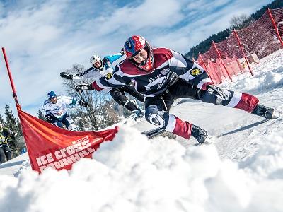 Seriálu Red Bull Crashed Ice se účastní i Turnovák Jiří Grus