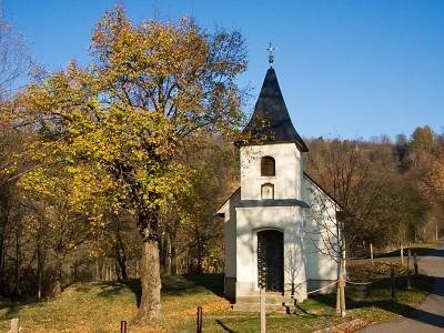 Na staročeské pouti v Prackově vysvětí nový zvon v kapličce