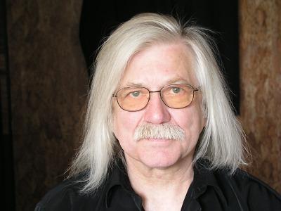 Písničkář Josef Fousek potěší fanoušky v turnovském divadle