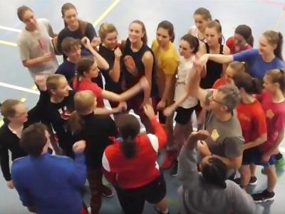 Na kempu basketbalistek v Semilech předávala zkušenosti Eva Němcová
