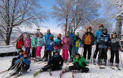 Chystají 50. ročník veřejné lyžařské a snowboardové školy v Turnově