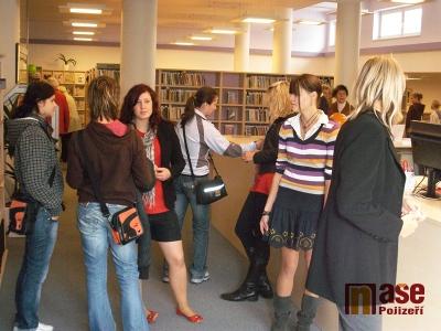 Městské knihovně se v Jitřence daří, návštěvnost stoupla dvaapůlkrát