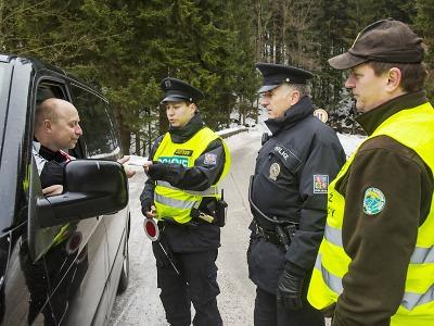 Ohlédnutí za společnou strážní zimou v KRNAP