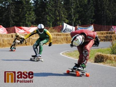 Kozákov znovu obsadí downhilloví skateboardisté z celého světa