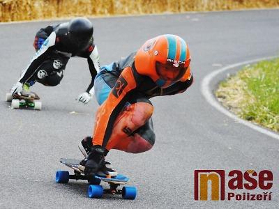 Z Kozákova pojedenácté posviští nejrychlejší jezdci na skateboardech