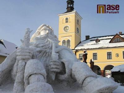 FOTO: Nad klidem v Jilemnici znovu bdí sněhový Krakonoš