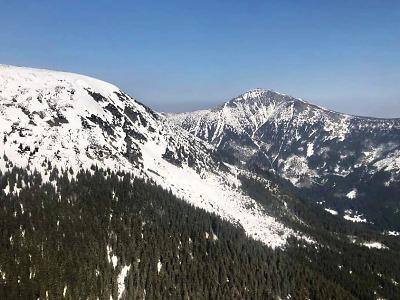 Horská služba řešila nehodu skialpinisty ve Velké Studniční jámě