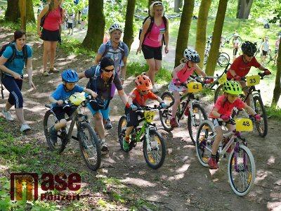 Ve vrchlabském parku pořádají 10. ročník závodu horských kol