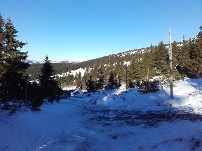 Zima je tu! Sněhu na hřebenech Krkonoš je ale ještě málo