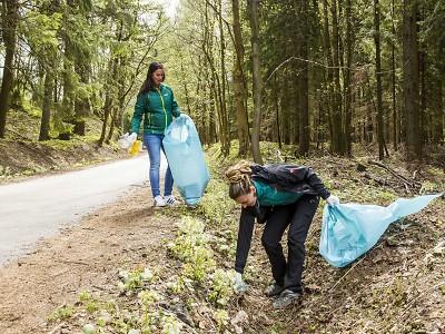 V Krkonoších je po víkendu o tři tuny odpadků méně!