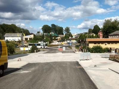 Kruhový objezd u pošty v Jilemnici byl otevřen pro motoristy