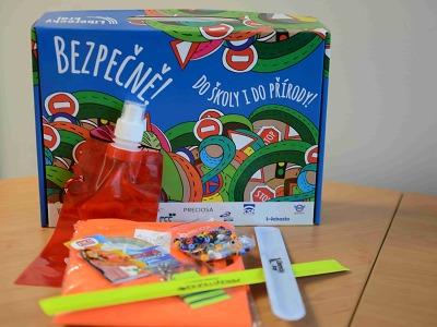 Prvňáčci dostanou od Libereckého kraje oblíbené kufříky