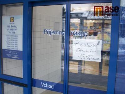 Obchodní centrum očekává první nápor kupujících