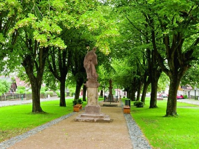 O titul Památka roku se uchází i Karlovské náměstí v Lomnici