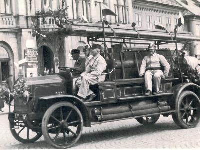 Dobrovolní hasiči v Lomnici slaví 140 let výstavou mapující jejich činnost