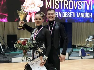 Vicemistr republiky v 10 tancích je pár Kejzar a Košková z Liberce