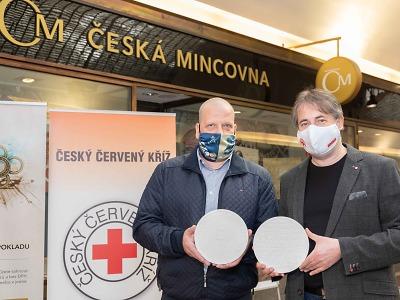 Poděkování za pomoc při pandemii medailí ČČK a jablonecké mincovny