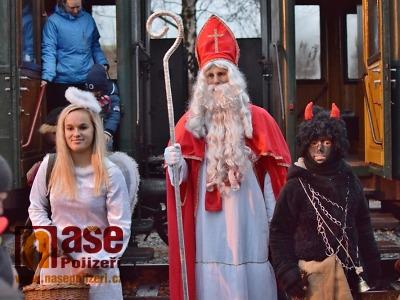 FOTO: Mikulášský parní vlak jezdil znovu na trase Jilemnice - Rokytnice