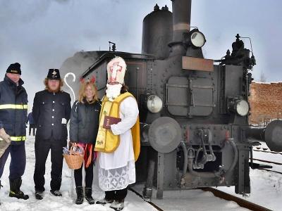 O víkendu děti potěší Mikulášské jízdy parních vlaků