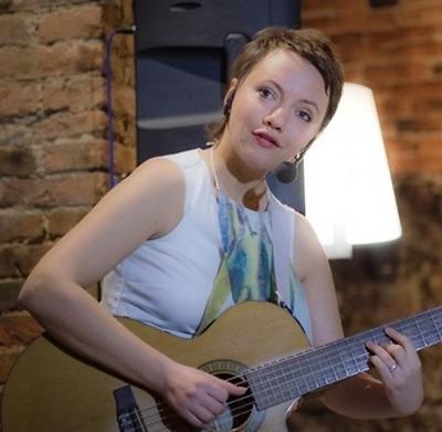 Milli Janatková vystoupí v železnickém Café Terasy