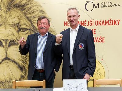Hašek a Martinec vstoupili mezi legendy hokeje i na mincích