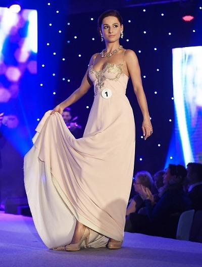 Titul Miss Hasička 2015 vybojovala dívka z Turnova