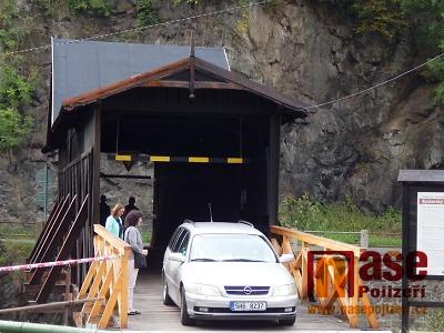 FOTO: Zrekonstruovaný unikátní most v Bystré otevřeli i pro auta