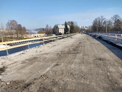 Práce na turnovském mostě byly pozastaveny