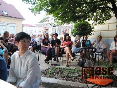 Hudební večery na muzejní zahrádce zahájí Jan Juanito Burian