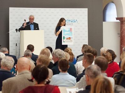 22. benefiční aukce umění v Oblastní galerii vynesla 525 tisíc korun!