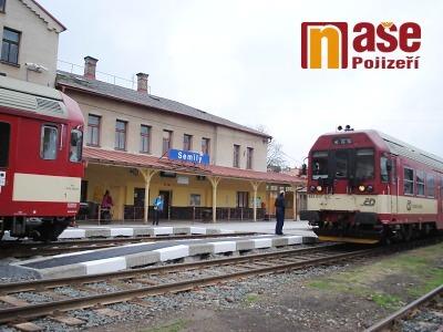 FOTO: Vlaky už jezdí přes Semily, nádraží si ale zaslouží další opravy