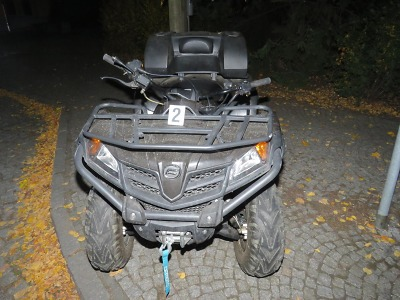 Opilý řidič se převrátil na čtyřkolce v Jenišovicích