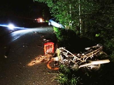 Tragická nehoda u Horní Branné. Po střetu s autem zemřel motocyklista