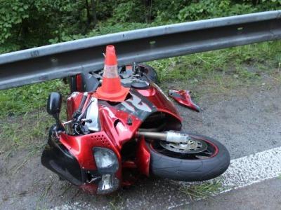 V Ohrazenicích motocyklista nezvládl řízení v ostré zatáčce