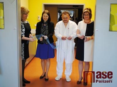 FOTO: V semilské nemocnici otevřeli zrekonstruovaný operační sál