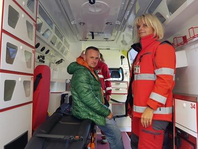 Záchranáři převzali nové sanitky
