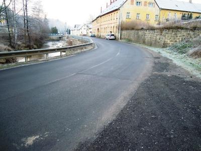 Další úseky krajských silnic se letos dočkají nových povrchů