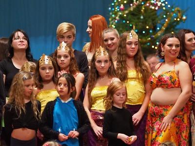 Obrazem: Vánoční Orient show v Košťálově 2018