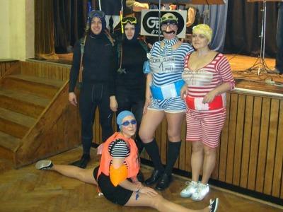 FOTO: Osmou Divadelní tancovačku ovládli sportovci a sportovkyně