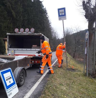 Autobusové zastávky v Libereckém kraji mají nové označníky