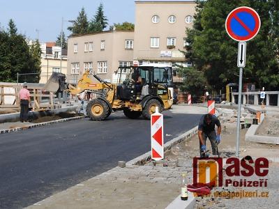 FOTO: Konečně finišuje rekonstrukce Palackého ulice v Turnově