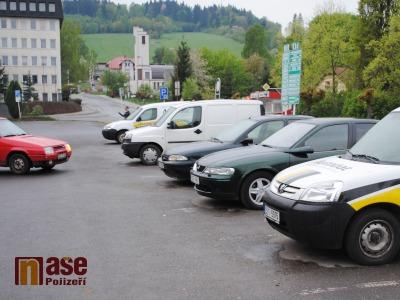 V Semilech zavádějí od června parkování na kotouče