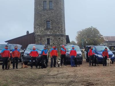 Holčičku na Domažlicku hledalo i devět pátracích psů horské služby