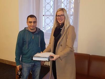 Petice za okres Turnov dorazila do parlamentu
